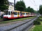rheinbahn-dusseldorf/143034/eine-doppeltraktion-aus-stadtbahnwagen-b-der Eine Doppeltraktion aus Stadtbahnwagen B der Rheinbahn ist am 30.05.2008 am Belsenplatz in Düsseldorf-Oberkassel unterwegs.